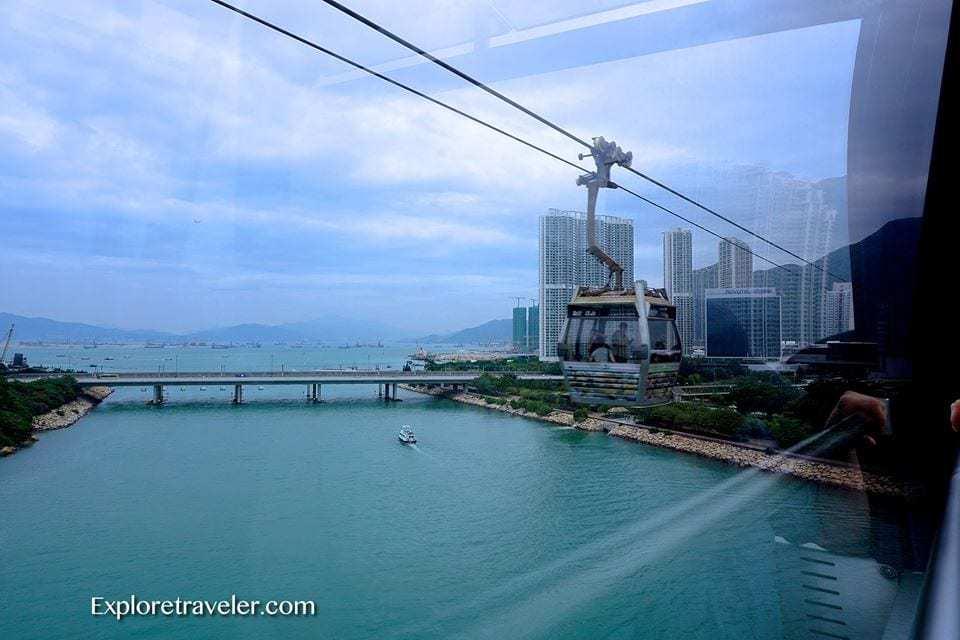 Ngong Ping cable cars