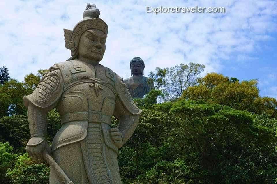 The General Makura Statue